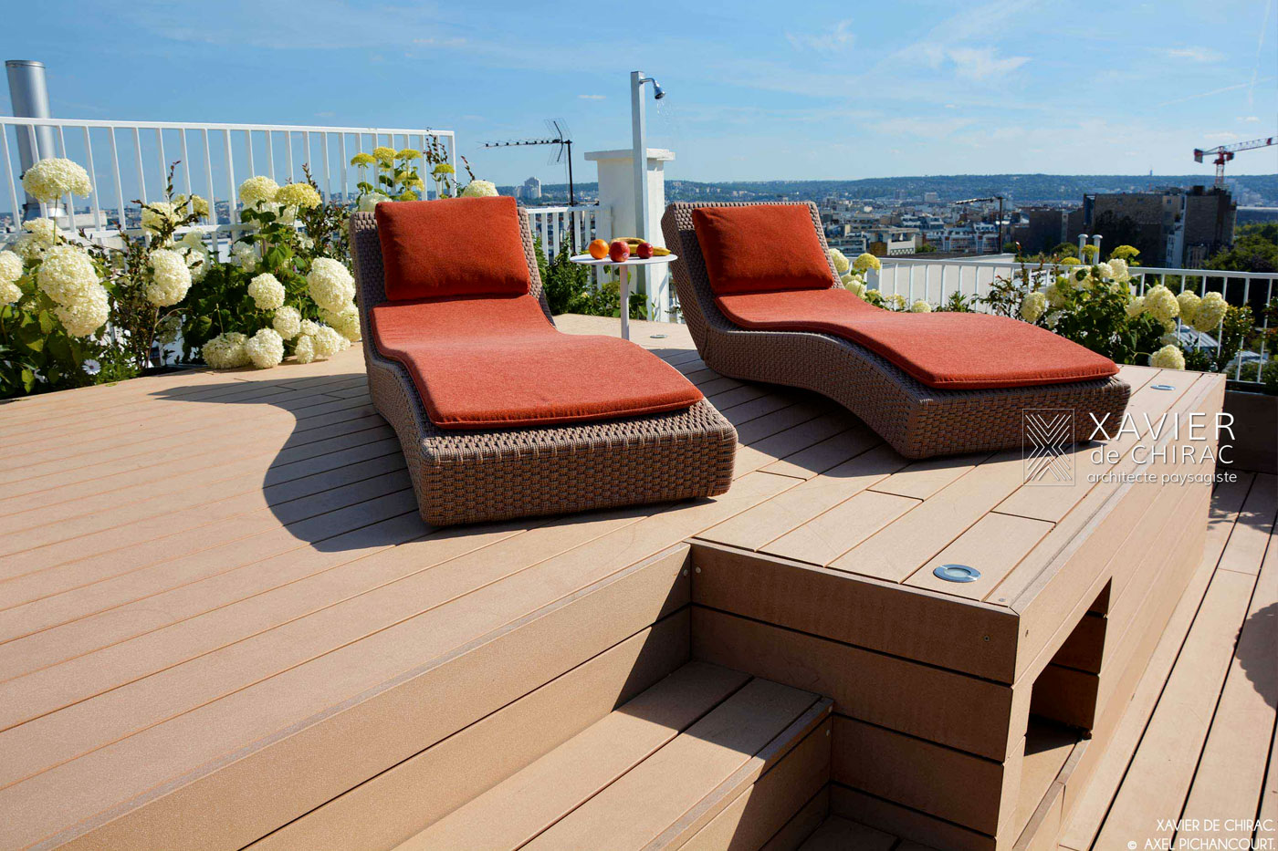terrasse jacuzzi xavier de chirac. Black Bedroom Furniture Sets. Home Design Ideas