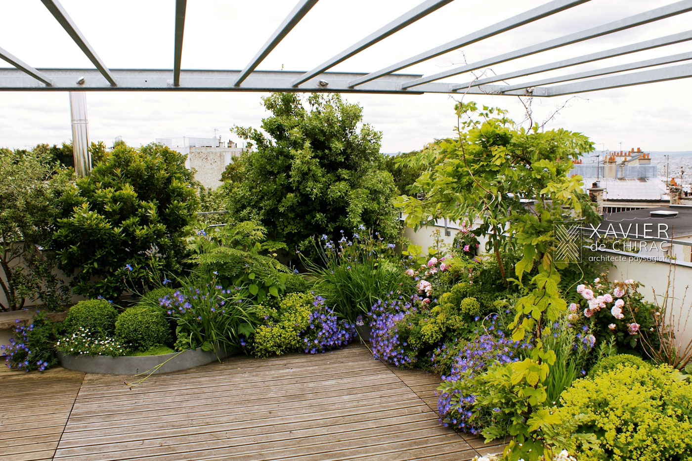 terrasse poème bohème Paris New York terrace garden with flowers Xavier de Chirac